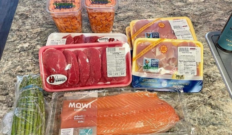 a sample meal prep for an English Mastiff
